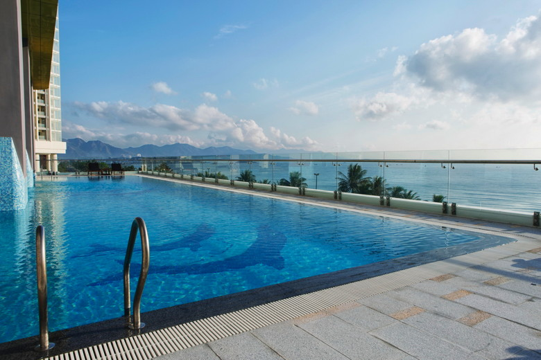 Best Western Premier Havana Nha Trang Swimming Pool