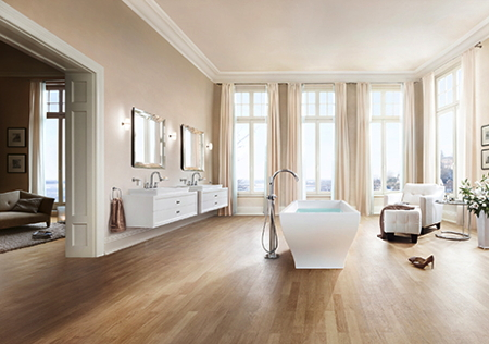 Picture of a modern bed/bath room