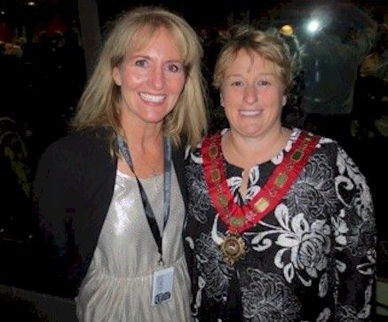 Mayor of Queenstown, Vanessa Van Uden is pictured with Roberta Nedry, President, Hospitality Excellence, Inc.