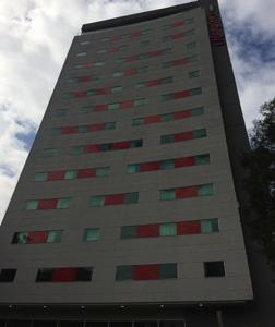 Hampton by Hilton Medellin Hotel - exterior