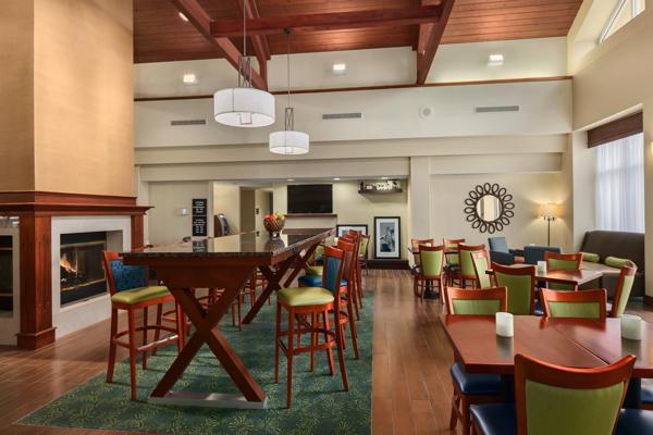 Lobby, Hampton Inn & Suites, Newport News, Virginia