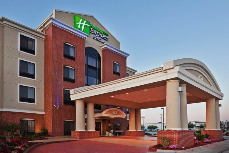 Holiday Inn Express Hotel and Suites Orlando East – UCF Area