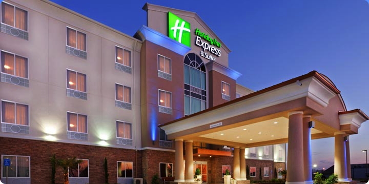 Holiday Inn Express & Suites Dallas West
