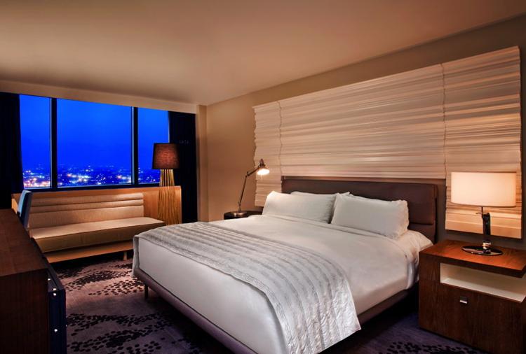 Guest room at the Le Méridien New Orleans