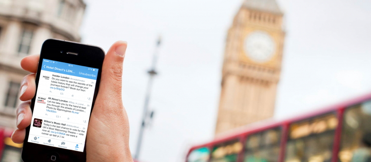 Image of an iPhone in front of Big Ben