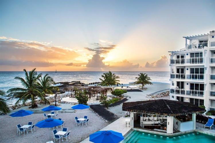 Alegria Hotel in St. Maarten