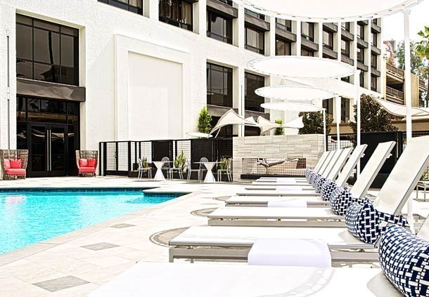 crowne plaza beverly hills converts to beverly hills marriott. Black Bedroom Furniture Sets. Home Design Ideas
