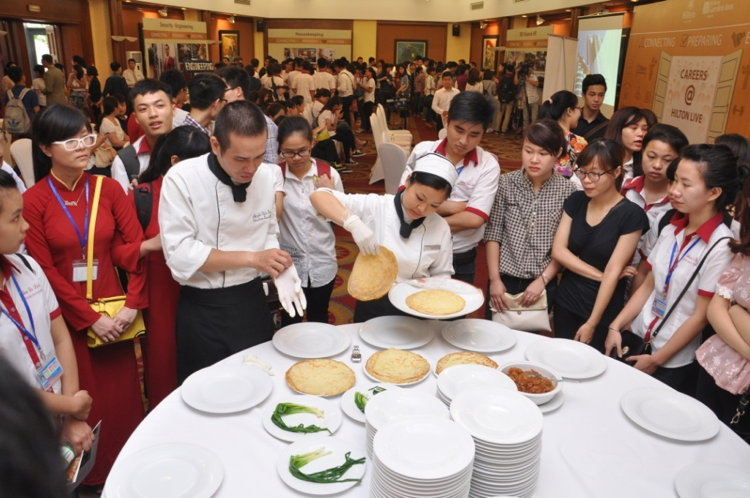 Careers@Hilton Live participants enjoy a cooking competition in the APAC region
