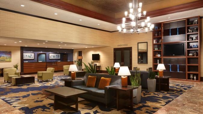 DoubleTree by Hilton Boston Lobby