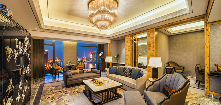 Suite at the Wanda Reign on the Bund Hotel