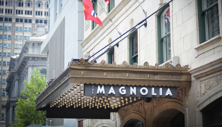 Magnolia Hotel St. Louis - Entrance