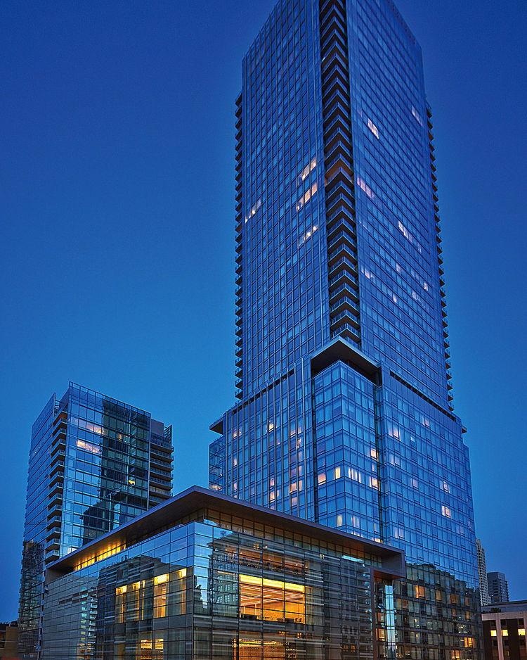 Four Seasons Hotel Toronto - Exterior