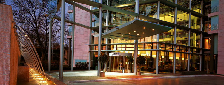 Radisson Blu Hotel, Cologne - Entrance