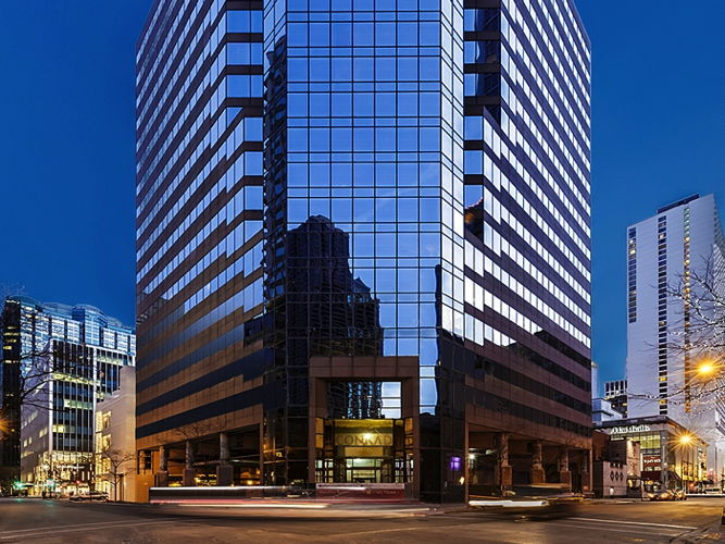 Conrad Chicago Hotel - Exterior