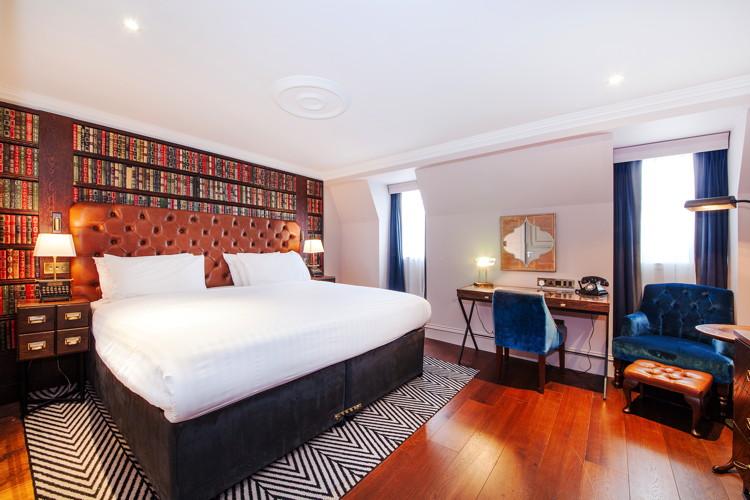 Hotel room at the Hotel Indigo Edinburgh - Princes Street