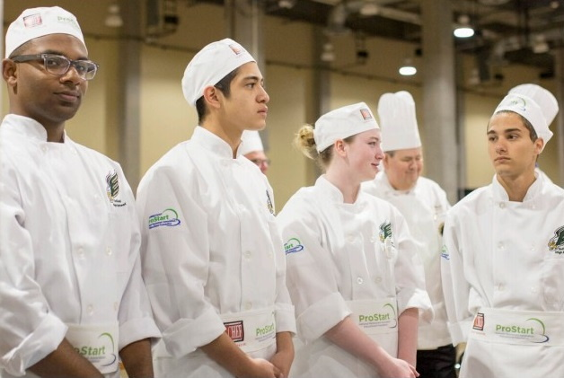 A group of trainee chefs