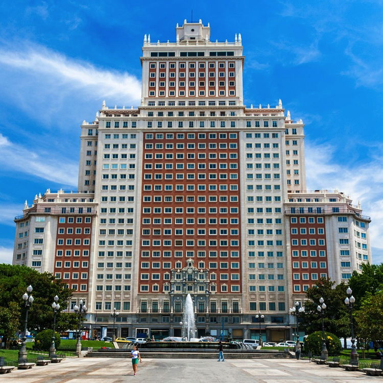Riu Plaza Hotel Announced for Madrid's Iconic 'Edificio España'