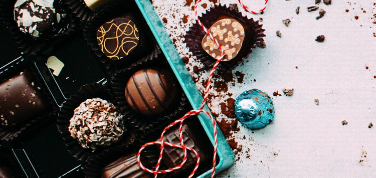 Chocloate gift set - Unsplash