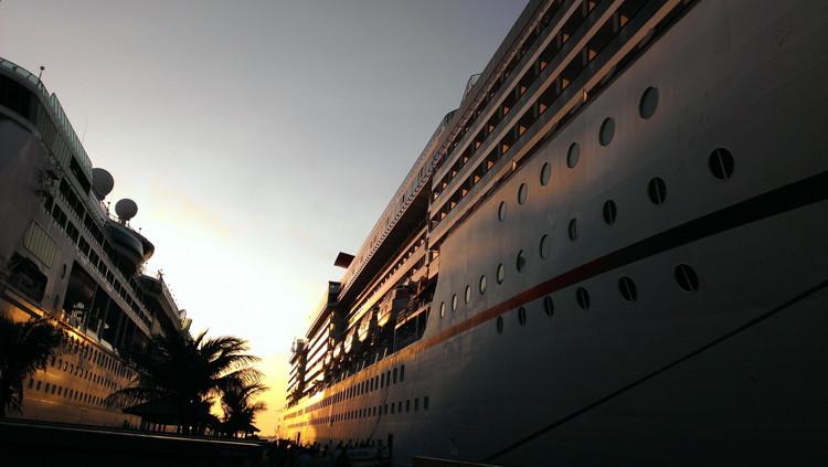 A cruise ship in Nassau, Bahamas - Unsplash