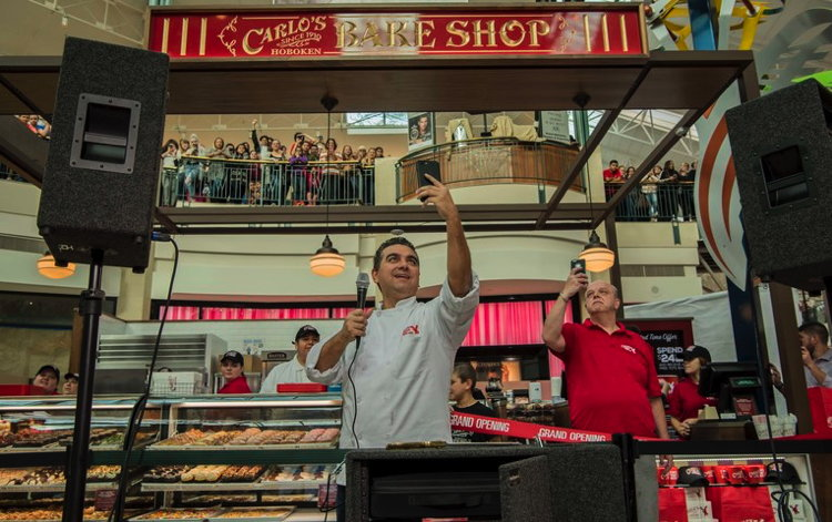Buddy Valastro and Mauro Castano at ribbon cutting ceremony in The Woodlands, TX in February.