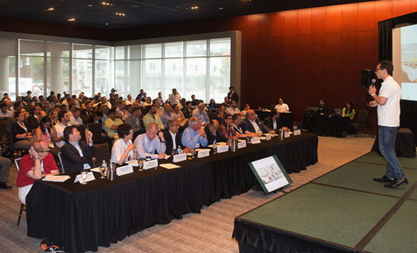 Attendees at a HITEC session
