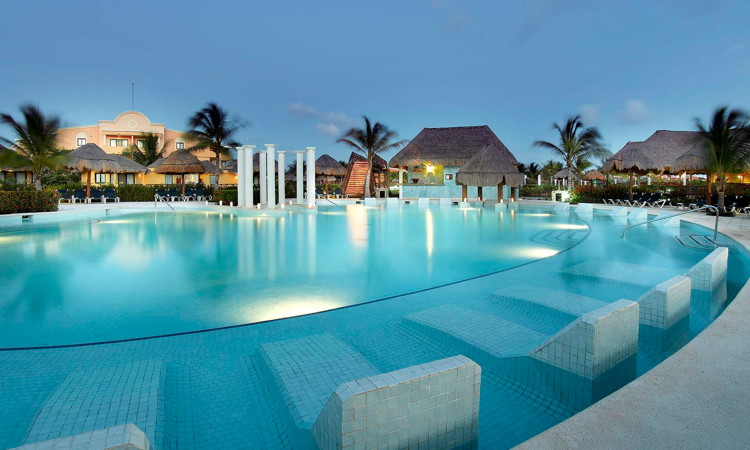 Grand Palladium Colonial Resort & Spa - Pool