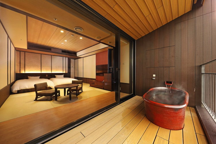 Suite at the Hakone Kowakien Ten-yu Resort in Japan