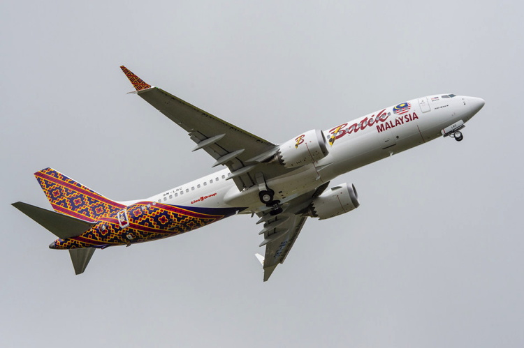 Boeing 737 MAX with Malindo Air livery