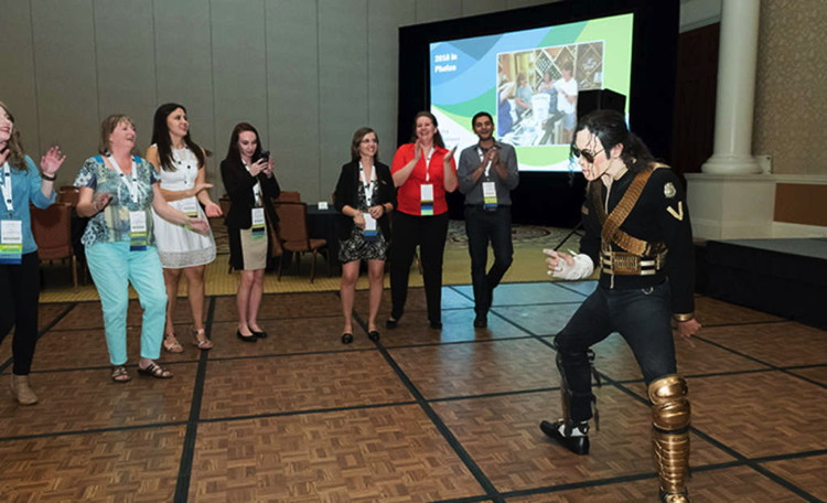 A performer at the HFTP Annual Convention