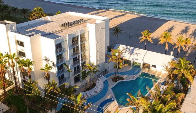 Plunge Beach Hotel in Lauderdale-by-the-Sea - Aerial View