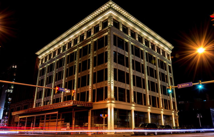 Curtiss Hotel in Buffalo, New York - Exterior at night