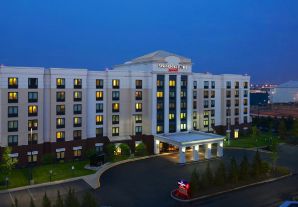 SpringHill Suites Newark Liberty International Airport - Exterior