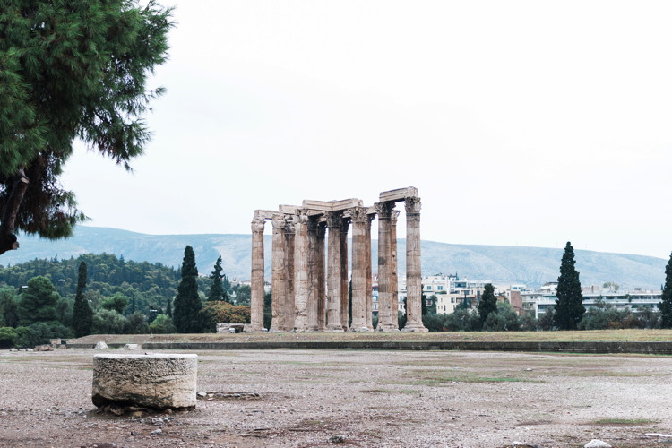Temple Of Olympian Zeus Athens Greece - Photo by Héctor Martínez on Unsplash