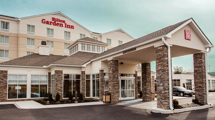 Hilton Garden Inn Louisville Mall of St. Matthews - Exterior