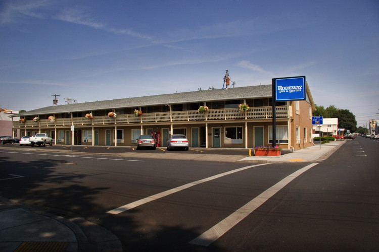 Rodeway Inn and Suites, Pendleton, Oregon - Exterior