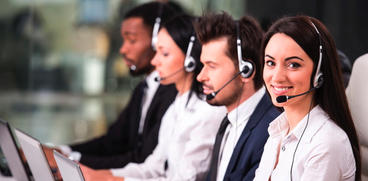 Several agents in a call center