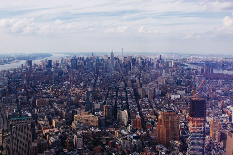 Aerialview of Manhattan - Photo by JULIAN ALEXANDER on Unsplash