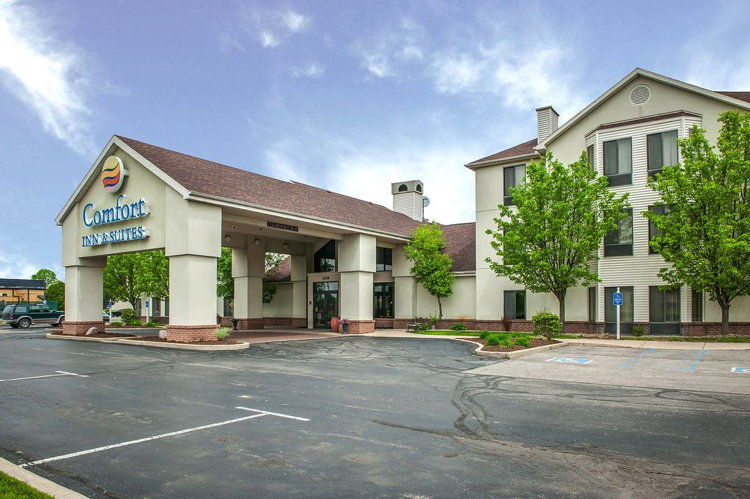 Comfort Inn & Suites Warsaw, Indiana Sold for $4.7 million