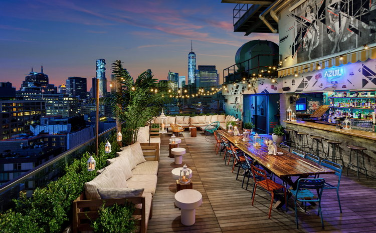 Hotel Hugo in New York City - Terrace at night