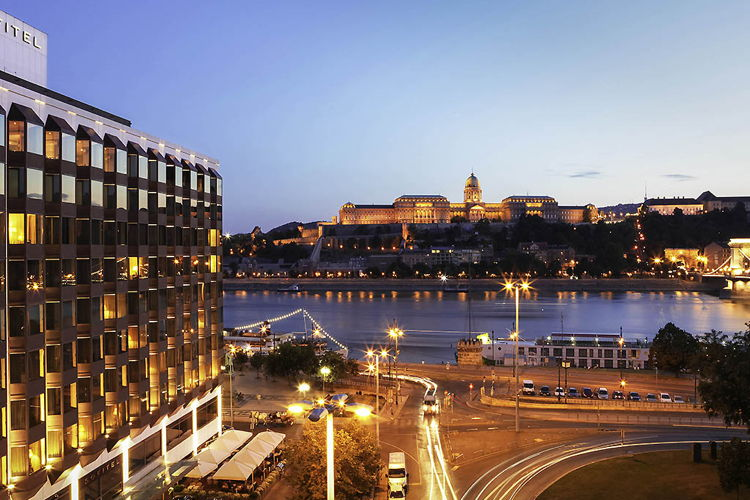 Sofitel Budapest Chain Bridge Hotel Sold to Starwood Capital
