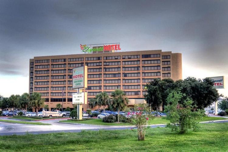MCM Elegante Hotel Beaumont Texas - Exterior