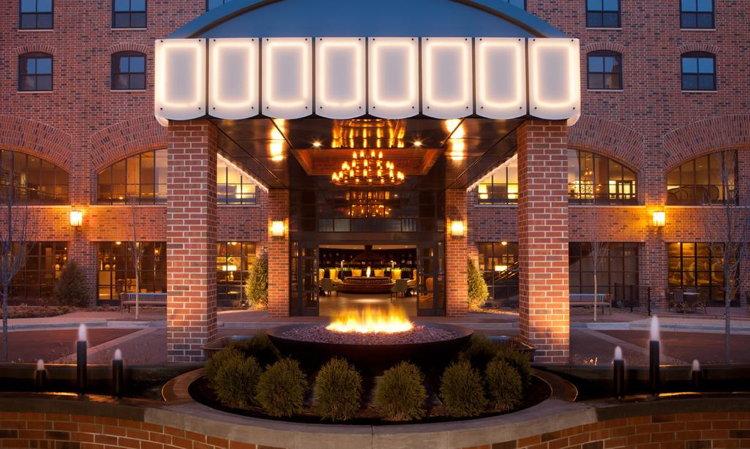 Graduate Minneapolis Hotel - Entrance