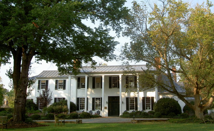 Clifton Inn in Charlottesville, Virginia - Exterior - Source - Food Nomad