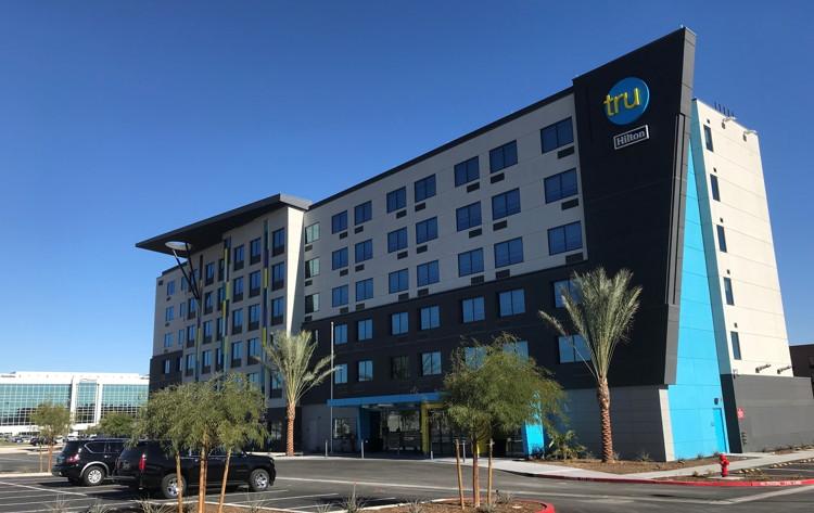 Tru by Hilton Las Vegas Airport Hotel - Exterior