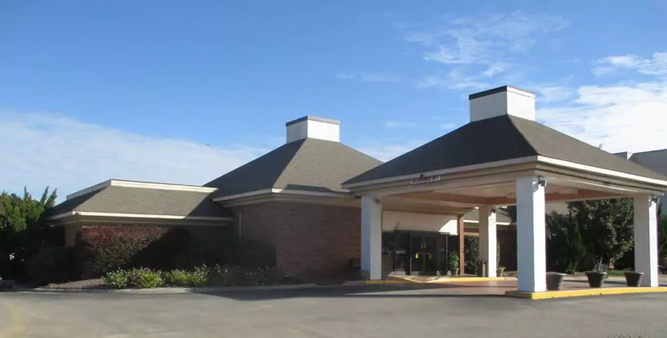 SureStay Plus Hotel by Best Western Fayetteville - Entrance