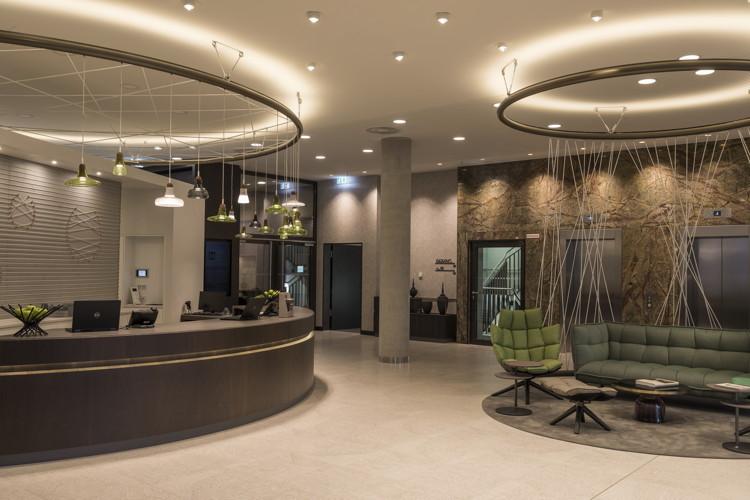 Hyatt Place Frankfurt Airport Hotel - Lobby