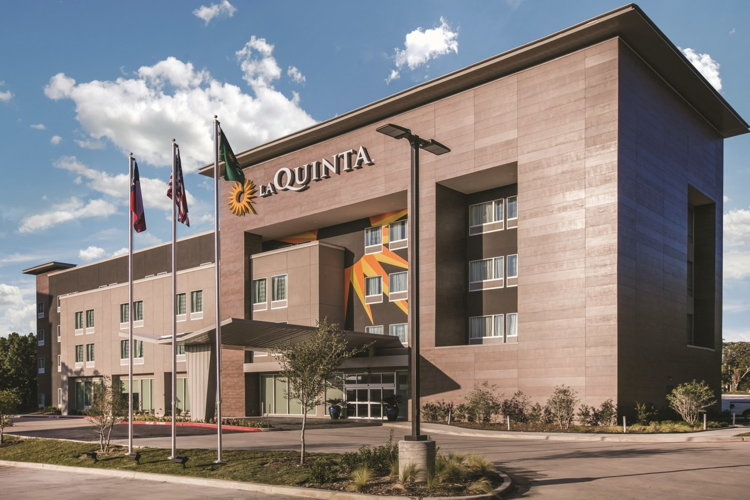 La Quinta Inn & Suites Dallas - Richardson, TX.
