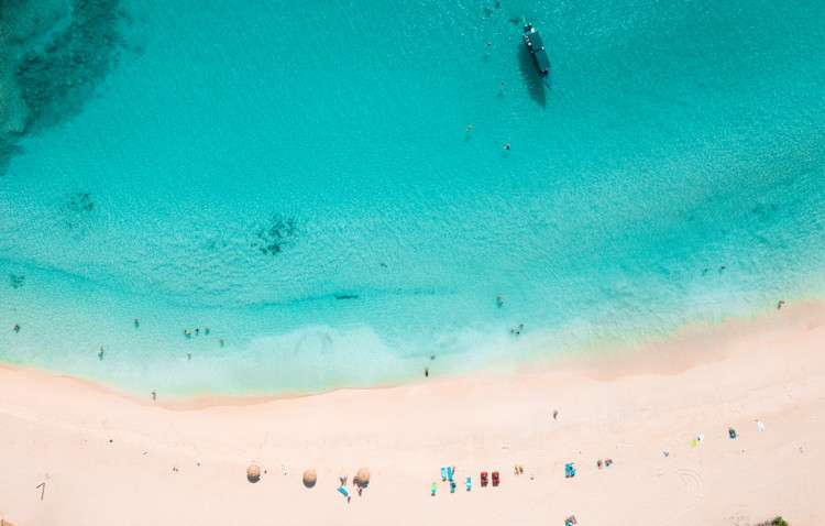 A Caribbean beach - Photo by Rajvinder singh on Unsplash
