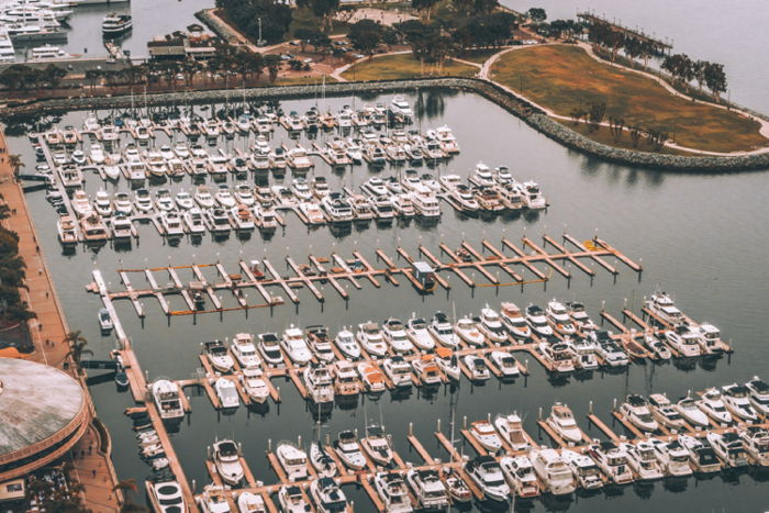 San Diego marina - Photo by Val Vesa on Unsplash