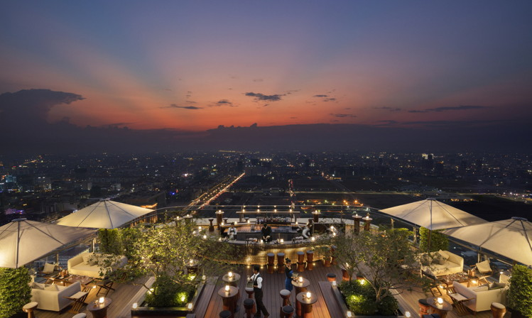Rosewood Phnom Penh Hotel - Rooftop Bar